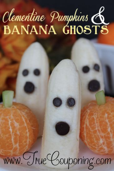 A few minutes and 5 ingredients and you can make these adorable -- and HEALTHY -- Pumpkins and Banana Ghosts! #truemoneysaver #halloween #ghosts #halloweentreats #healthytreats
