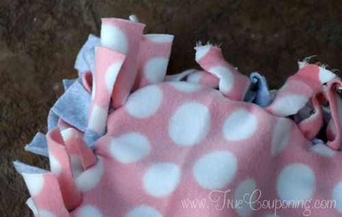 Simple DIY Gift Idea! No Sew Fleece Blanket Tutorial!