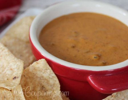 Chili's-Skillet-Queso-Dip-with-Chips