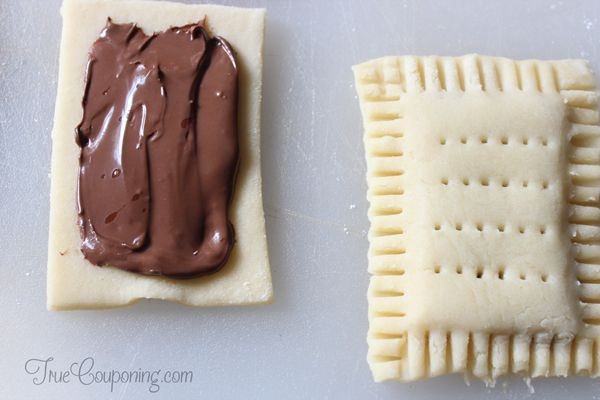 Nutella-Pop-Tarts-filling