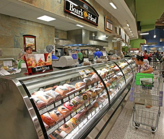 You can use Online Easy Ordering to request all sorts of goodies from your Publix. Your favorite Publix Deli sub or wrap. Tell us what you're craving and what time you'd like to pick it up, and you can grab it from our Deli to-go case—no waiting necessary.