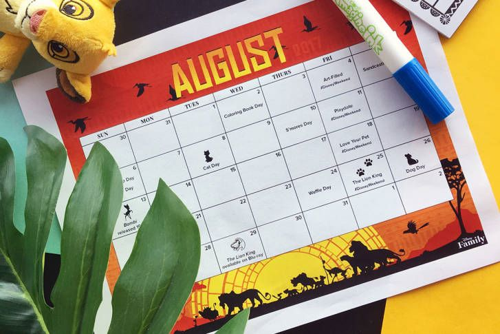 FREE Disney August 2017 Printable Calendar!