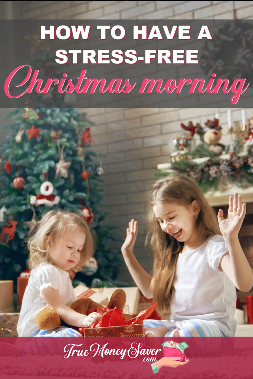Christmas morning can be so stressful. Start your happy Christmas morning with these smart start Christmas morning routine tips! You\'ll be less stressed and ready to tackle the day with these Christmas morning ideas for families! 