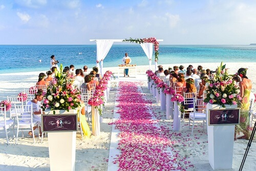 how to have a frugal wedding