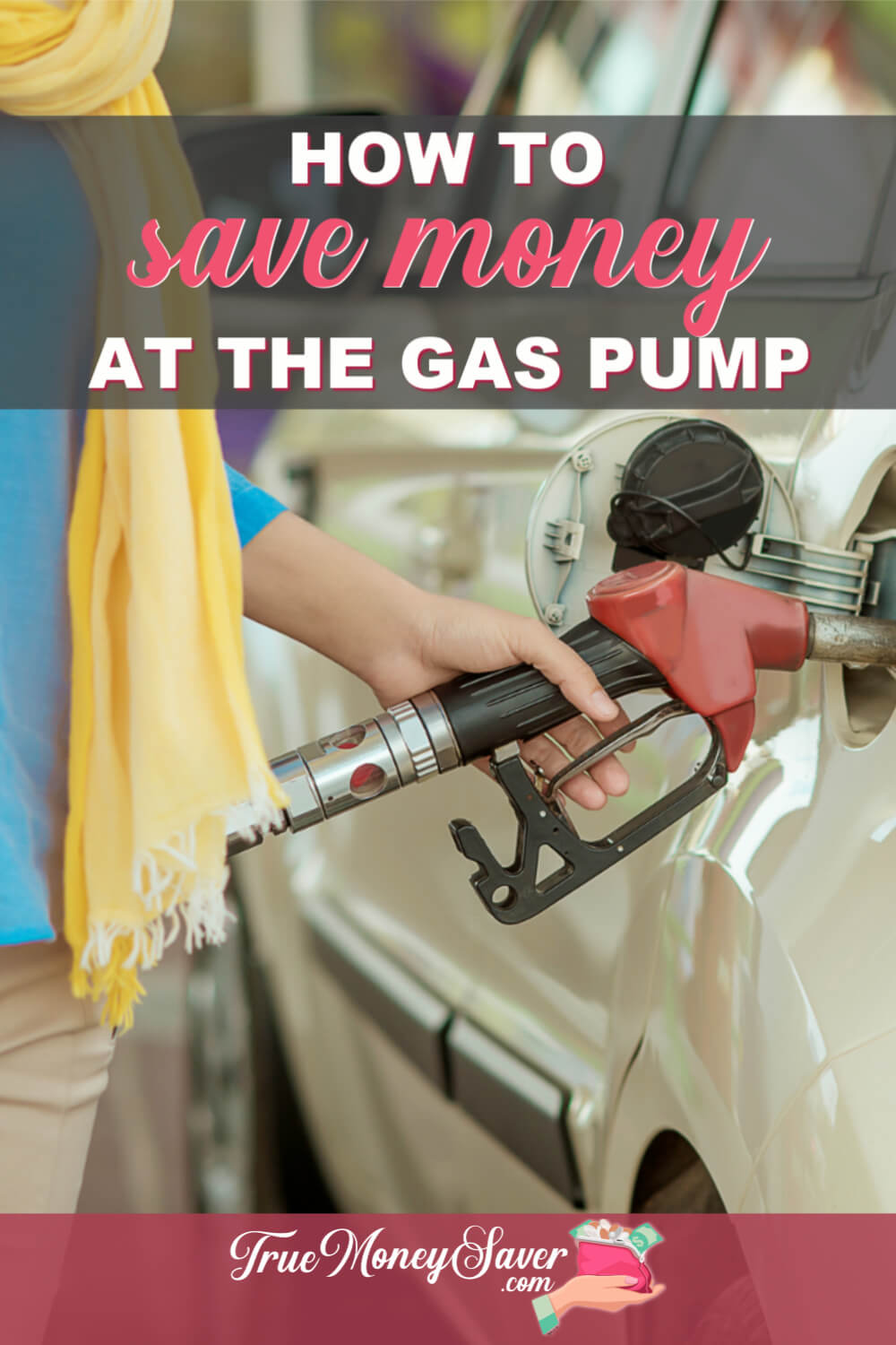Saving money on gas seems like it would be impossible. But there are actually LOTS of ways you can save on that hot commodity! #truecouponing #savingmoney #vacation #roadtrip