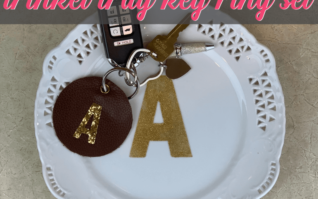 How To Make The Cutest Monogrammed Trinket Tray & Matching Key Chain Set {Homemade Christmas DIY Gift #13}